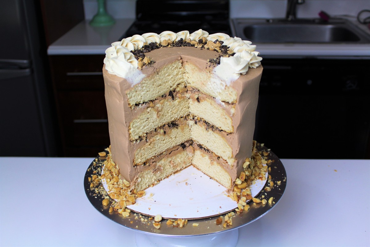 Butter Cake With White Chocolate Frosting