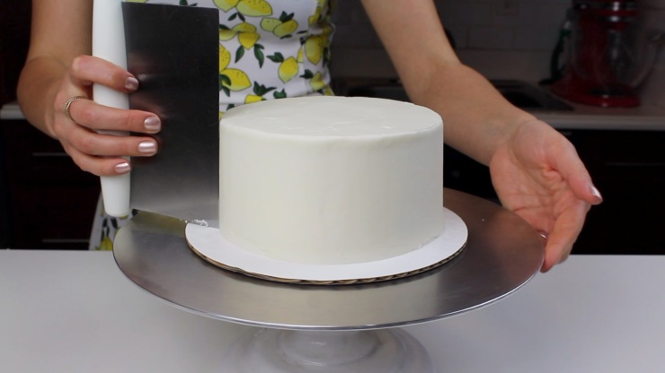 smoothing lemon cake